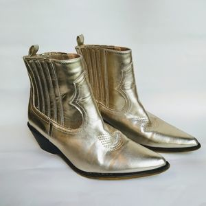 Chase+Chloe gold booties size 6.5